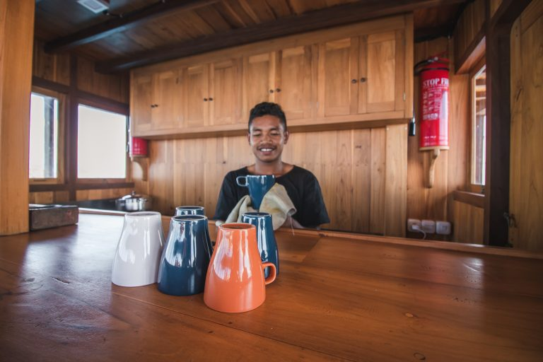 komodo boat kitchen